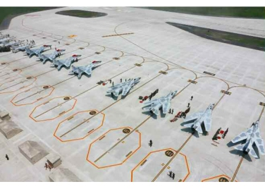 150730 - RS - KIM JONG UN - 15 - 경애하는 김정은동지께서 위대한 조국해방전쟁승리 62돐을 맞으며 진행된 《조선인민군 항공 및 반항공군 비행지휘성원들의 전투비행술경기대회-2015》를 지도하시였다