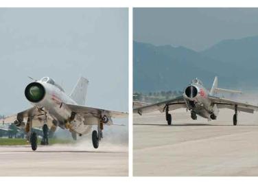 150730 - RS - KIM JONG UN - 17 - 경애하는 김정은동지께서 위대한 조국해방전쟁승리 62돐을 맞으며 진행된 《조선인민군 항공 및 반항공군 비행지휘성원들의 전투비행술경기대회-2015》를 지도하시였다