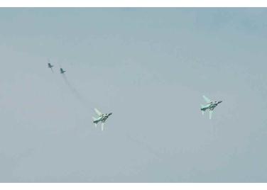 150730 - RS - KIM JONG UN - 21 - 경애하는 김정은동지께서 위대한 조국해방전쟁승리 62돐을 맞으며 진행된 《조선인민군 항공 및 반항공군 비행지휘성원들의 전투비행술경기대회-2015》를 지도하시였다