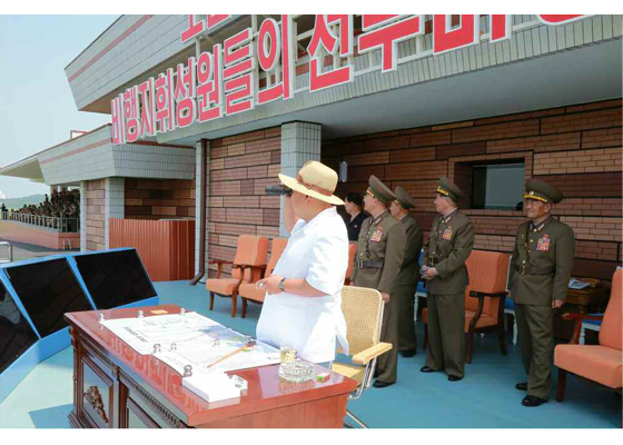 150730 - RS - KIM JONG UN - 22 - 경애하는 김정은동지께서 위대한 조국해방전쟁승리 62돐을 맞으며 진행된 《조선인민군 항공 및 반항공군 비행지휘성원들의 전투비행술경기대회-2015》를 지도하시였다