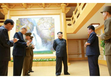 150802 - RS - KIM JONG UN - Marschall KIM JONG UN besichtigte das neu errichtete Altersheim Pyongyang - 03 - 경애하는 김정은동지께서 새로 건설한 평양양로원을 현지지도하시였다