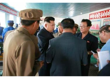 150904 - RS - KIM JONG UN - Marschall KIM JONG UN besuchte das Messgerätewerk Sinuiju - 08 - 경애하는 김정은동지께서 신의주측정계기공장을 현지지도하시였다