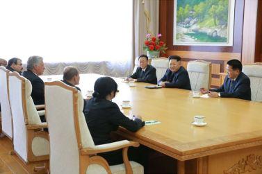150908 - SK - KIM JONG UN - Marschall KIM JONG UN empfängt Staatsdelegation Kubas - 02