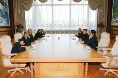 150908 - SK - KIM JONG UN - Marschall KIM JONG UN empfängt Staatsdelegation Kubas - 06