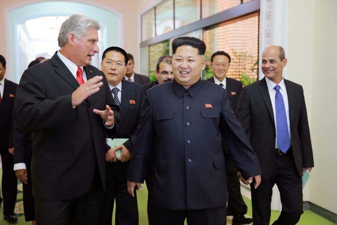 150908 - SK - KIM JONG UN - Marschall KIM JONG UN empfängt Staatsdelegation Kubas - 07