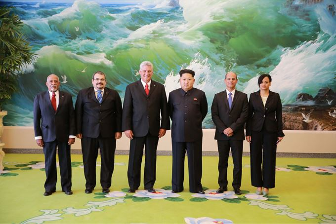 150908 - SK - KIM JONG UN - Marschall KIM JONG UN empfängt Staatsdelegation Kubas - 08