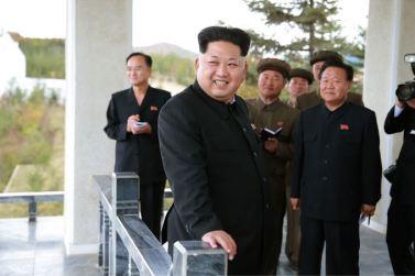 150914 - SK - KIM JONG UN - Marschall KIM JONG UN besuchte die Baustelle des Kraftwerkes der Heroischen Paektusan-Jugend, das vor der Einweihung steht - 03 - 경애하는 김정은동지께서 완공을 앞둔 백두산영웅청년발전소 건설장을 현지지도하시였다
