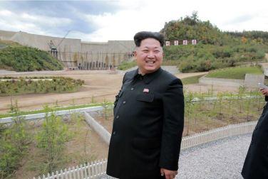 150914 - SK - KIM JONG UN - Marschall KIM JONG UN besuchte die Baustelle des Kraftwerkes der Heroischen Paektusan-Jugend, das vor der Einweihung steht - 11 - 경애하는 김정은동지께서 완공을 앞둔 백두산영웅청년발전소 건설장을 현지지도하시였다
