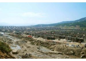 150918 - RS - KIM JONG UN - Marschall KIM JONG UN leitete die Arbeit für die Beseitigung der Überschwemmungsschäden in der Stadt Rason vor Ort an - 02 - 경애하는 김정은동지께서 라선시피해복구전투를 현지에서 지도하시였다