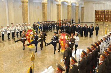 151010 - SK - KIM JONG UN - Marschall KIM JONG UN besuchte den Sonnenpalast Kumsusan - 02