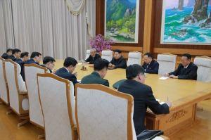 151010 - SK - KIM JONG UN - Marschall KIM JONG UN empfing die Delegation der KP Chinas zu einem Gespräch - 01