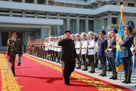 151011 - SK - KIM JONG UN - Parade und Massenkundgebung zum 70. Gründungstag der PdAK in Anwesenheit von Genossen KIM JONG UN - 02