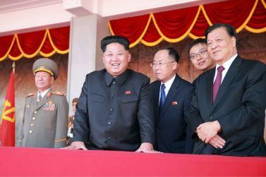 151011 - SK - KIM JONG UN - Parade und Massenkundgebung zum 70. Gründungstag der PdAK in Anwesenheit von Genossen KIM JONG UN - 04
