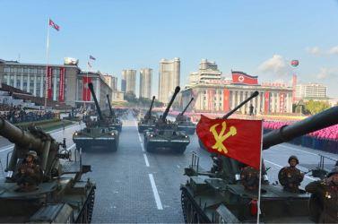 151011 - SK - KIM JONG UN - Parade und Massenkundgebung zum 70. Gründungstag der PdAK in Anwesenheit von Genossen KIM JONG UN - 17
