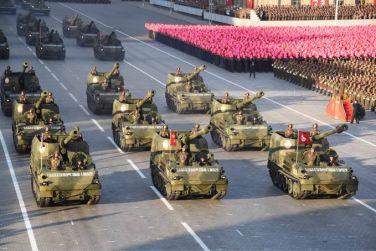 151011 - SK - KIM JONG UN - Parade und Massenkundgebung zum 70. Gründungstag der PdAK in Anwesenheit von Genossen KIM JONG UN - 19