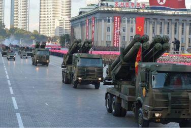 151011 - SK - KIM JONG UN - Parade und Massenkundgebung zum 70. Gründungstag der PdAK in Anwesenheit von Genossen KIM JONG UN - 20