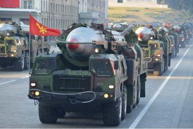 151011 - SK - KIM JONG UN - Parade und Massenkundgebung zum 70. Gründungstag der PdAK in Anwesenheit von Genossen KIM JONG UN - 21