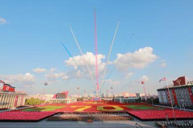 151011 - SK - KIM JONG UN - Parade und Massenkundgebung zum 70. Gründungstag der PdAK in Anwesenheit von Genossen KIM JONG UN - 31
