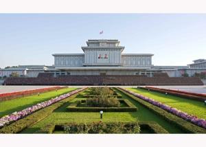151014 - RS - KIM JONG UN - Marschall KIM JONG UN liess sich zusammen mit den Delegierten zum 70. Parteigründungstag fotografieren - 경애하는 김정은동지께서 조선로동당창건 70돐 경축대표들과 함께 기념사진을 찍으시였다