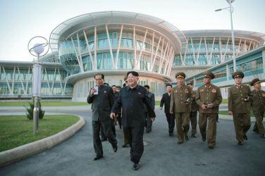 151028 - 조선의 오늘 - KIM JONG UN - Marschall KIM JONG UN besuchte den ausgezeichnet fertig gebauten Palast der Wissenschaft und Technik - 22 - 위대한 당의 전민과학기술인재화방침이 완벽하게 반영된 국보적인 건축물 경애하는 김정은동지께서 과학기술전당을 현지지도하시였다