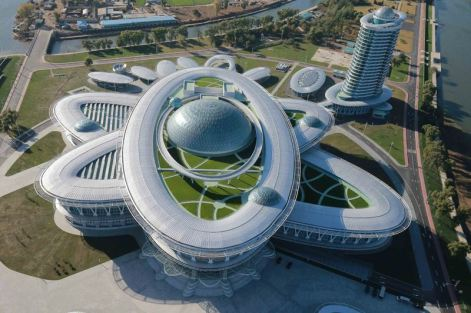 151028 - 조선의 오늘 - KIM JONG UN - Marschall KIM JONG UN besuchte den ausgezeichnet fertig gebauten Palast der Wissenschaft und Technik - 27 - 위대한 당의 전민과학기술인재화방침이 완벽하게 반영된 국보적인 건축물 경애하는 김정은동지께서 과학기술전당을 현지지도하시였다