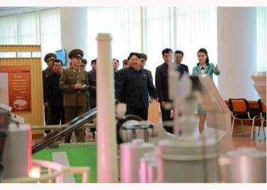 151028 - RS - KIM JONG UN - Marschall KIM JONG UN besuchte den ausgezeichnet fertig gebauten Palast der Wissenschaft und Technik - 29 - 위대한 당의 전민과학기술인재화방침이 완벽하게 반영된 국보적인 건축물 경애하는 김정은동지께서 과학기술강국 현지지도하시였다