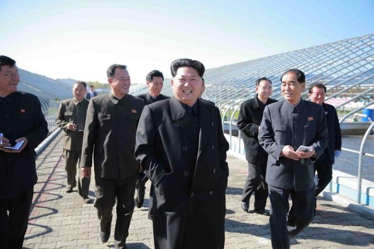 151031 - 조선의 오늘 - KIM JONG UN - Marschall KIM JONG UN besuchte den modernisierten Welszuchtbetrieb Pyongyang - 01 - 경애하는 김정은동지께서 우리 나라 양어부문의 본보기, 표준공장으로 전변된 평양메기공장을 현지지도하시였다