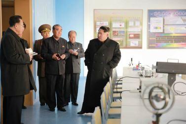 151201 - 조선의 오늘 - Marschall KIM JONG UN beuchte den neu umgebauten Schülerpalast Mangyongdae - 08 - 경애하는 김정은동지께서 새로 개건된 만경대학생소년궁전을 돌아보시였다