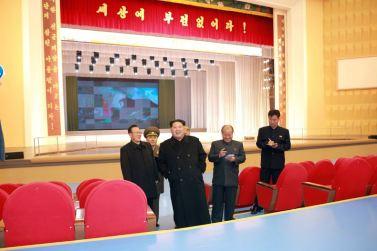 151201 - 조선의 오늘 - Marschall KIM JONG UN beuchte den neu umgebauten Schülerpalast Mangyongdae - 12 - 경애하는 김정은동지께서 새로 개건된 만경대학생소년궁전을 돌아보시였다