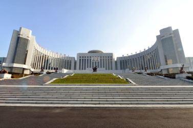 151201 - 조선의 오늘 - Marschall KIM JONG UN beuchte den neu umgebauten Schülerpalast Mangyongdae - 13 - 경애하는 김정은동지께서 새로 개건된 만경대학생소년궁전을 돌아보시였다