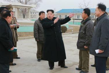 151216 - 조선의 오늘 - KIM JONG UN - Marschall KIM JONG UN besichtigte den Welszuchtbetrieb Samchon - 01 - 경애하는 김정은동지께서 삼천메기공장을 현지지도하시고 세계적수준의 메기공장으로 전변시킬데 대한 과업을 제시하시였다