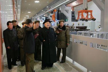 151220 - 조선의 오늘 - KIM JONG UN - Marschall KIM JONG UN besichtigte das Maschinenkombinat '18. Januar' - 07 - 경애하는 김정은동지께서 우리 나라 기계제작공업부문의 본보기, 표준으로 훌륭히 전변된 1월18일기계종합공장을 현지지도하시였다