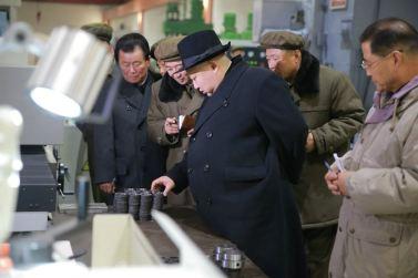 151220 - 조선의 오늘 - KIM JONG UN - Marschall KIM JONG UN besichtigte das Maschinenkombinat '18. Januar' - 09 - 경애하는 김정은동지께서 우리 나라 기계제작공업부문의 본보기, 표준으로 훌륭히 전변된 1월18일기계종합공장을 현지지도하시였다
