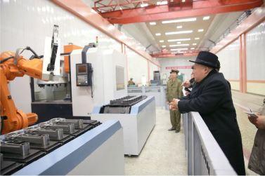 151220 - 조선의 오늘 - KIM JONG UN - Marschall KIM JONG UN besichtigte das Maschinenkombinat '18. Januar' - 11 - 경애하는 김정은동지께서 우리 나라 기계제작공업부문의 본보기, 표준으로 훌륭히 전변된 1월18일기계종합공장을 현지지도하시였다