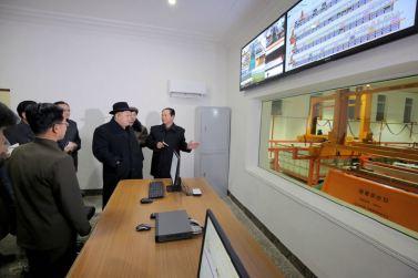 151220 - 조선의 오늘 - KIM JONG UN - Marschall KIM JONG UN besichtigte das Maschinenkombinat '18. Januar' - 12 - 경애하는 김정은동지께서 우리 나라 기계제작공업부문의 본보기, 표준으로 훌륭히 전변된 1월18일기계종합공장을 현지지도하시였다