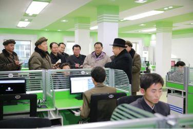 151220 - 조선의 오늘 - KIM JONG UN - Marschall KIM JONG UN besichtigte das Maschinenkombinat '18. Januar' - 14 - 경애하는 김정은동지께서 우리 나라 기계제작공업부문의 본보기, 표준으로 훌륭히 전변된 1월18일기계종합공장을 현지지도하시였다