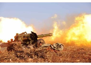 160105 - RS - KIM JONG UN - Marschall KIM JONG UN sah sich einen Artilleriefeuerwettbewerb zwischen den großen Truppenverbänden der KVA an - 03 - 경애하는 김정은동지께서 조선인민군 대련합부대들의 포사격경기를 보시였다