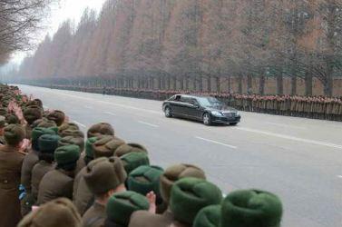160110 - RS - KIM JONG UN - Marschall KIM JONG UN hielt im Ministerium für Volksstreitkräfte eine programmatische Rede - 01 - 경애하는 김정은동지께서 새해에 즈음하여 인민무력부를 축하방문하시고 강령적인 연설을 하시였다