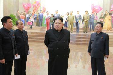 160120 - 조선의 오늘 - KIM JONG UN - Marschall KIM JONG UN besichtigte das neu gebaute Historische Museum der Jugendbewegung - 01 - 경애하는 김정은동지께서 새로 건설된 청년운동사적관을 현지지도하시였다