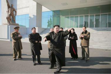 160120 - 조선의 오늘 - KIM JONG UN - Marschall KIM JONG UN besichtigte das neu gebaute Historische Museum der Jugendbewegung - 03 - 경애하는 김정은동지께서 새로 건설된 청년운동사적관을 현지지도하시였다