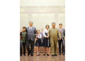 160120 - RS - KIM JONG UN - Marschall KIM JONG UN besichtigte das neu gebaute Historische Museum der Jugendbewegung - 03 - 경애하는 김정은동지께서 새로 건설된 청년운동사적관을 현지지도하시였다