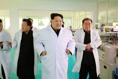 160123 - 조선의 오늘 - KIM JONG UN - Marschall KIM JONG UN besichtigte das Lebensmittelkombinat für Sportler Kumkop - 05 - 경애하는 김정은동지께서 현대적으로 개건된 금컵체육인종합식료공장을 현지지도하시였다