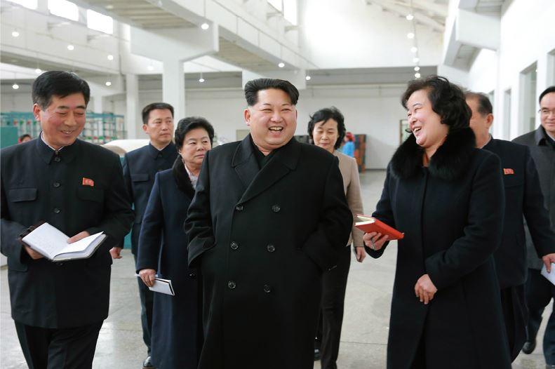 160128 - 조선의 오늘 - KIM JONG UN - Marschall KIM JONG UN besichtigte die Pyongyanger Textilfabrik 'Kim Jong Suk' - 11 - 경애하는 김정은동지께서 김정숙평양방직공장을 현지지도하시였다