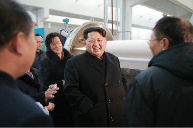 160128 - 조선의 오늘 - KIM JONG UN - Marschall KIM JONG UN besichtigte die Pyongyanger Textilfabrik 'Kim Jong Suk' - 14 - 경애하는 김정은동지께서 김정숙평양방직공장을 현지지도하시였다