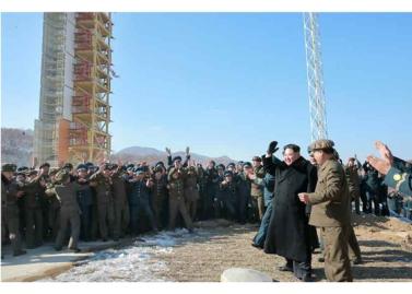 160208 - RS - KIM JONG UN - Start des Erdebeobachtungssatelliten 'Kwangmyongsong 4' - 15 - 조선민주주의인민공화국 국가우주개발국 보도 지구관측위성 《광명성-4》호 성과적으로 발사