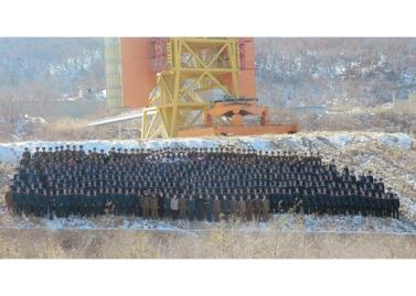 160208 - RS - KIM JONG UN - Start des Erdebeobachtungssatelliten 'Kwangmyongsong 4' - 16 - 조선민주주의인민공화국 국가우주개발국 보도 지구관측위성 《광명성-4》호 성과적으로 발사