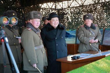160221 - 조선의 오늘 - KIM JONG UN - Marschall KIM JONG UN leitete die Gefechtsübungen der großen Truppenverbände der KVA an - 02 - 경애하는 김정은동지께서 조선인민군 대련합부대들사이의 쌍방실동훈련을 지도하시였다