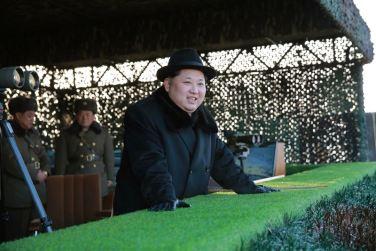 160221 - 조선의 오늘 - KIM JONG UN - Marschall KIM JONG UN leitete die Gefechtsübungen der großen Truppenverbände der KVA an - 03 - 경애하는 김정은동지께서 조선인민군 대련합부대들사이의 쌍방실동훈련을 지도하시였다