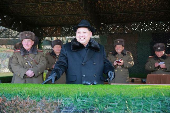 160221 - 조선의 오늘 - KIM JONG UN - Marschall KIM JONG UN leitete die Gefechtsübungen der großen Truppenverbände der KVA an - 04 - 경애하는 김정은동지께서 조선인민군 대련합부대들사이의 쌍방실동훈련을 지도하시였다