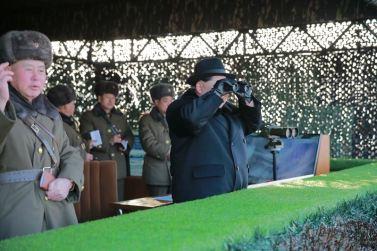 160221 - 조선의 오늘 - KIM JONG UN - Marschall KIM JONG UN leitete die Gefechtsübungen der großen Truppenverbände der KVA an - 08 - 경애하는 김정은동지께서 조선인민군 대련합부대들사이의 쌍방실동훈련을 지도하시였다